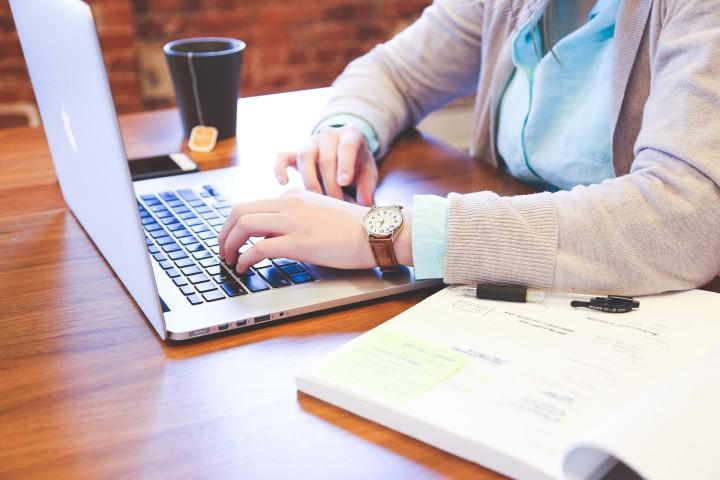 """Z cyklu """"Marka osobista kobiety w biznesie"""" - Cztery kroki do zbudowania marki osobistej"""