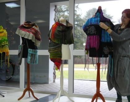 """Dotyk tkaniny, to jest to co uwielbiam. Z cyklu """"Kobieta z pasją"""" - Dorota Sulżyk."""