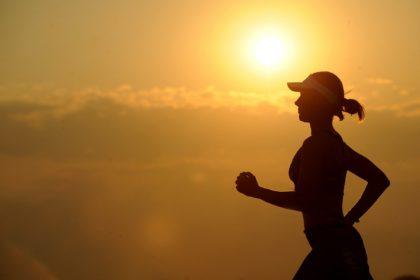 Jesteś kobietą aktywną? Odpowiedni biustonosz sportowy powinien być na liście Twoich priorytetów