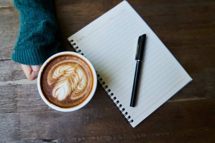 JAK PROFESJONALNIE ZEPSUĆ UMOWĘ – PORADNIK NIEPROFESJONALISTKI