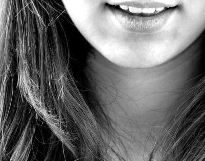 Moda na piękny uśmiech