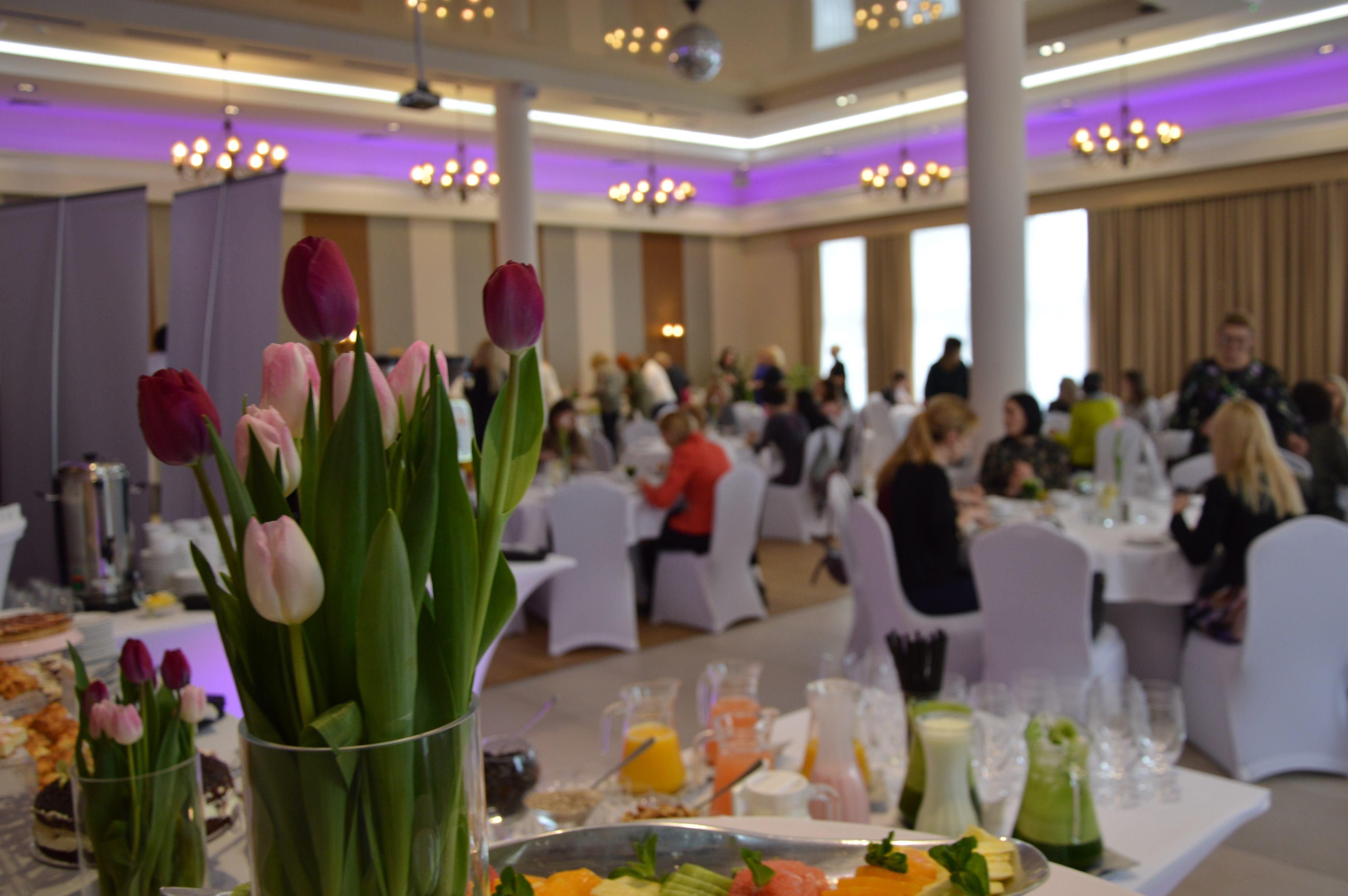 Śniadanie z wizytówką - Podlasianki rozpoczynają obchody 100–lecia kobiet
