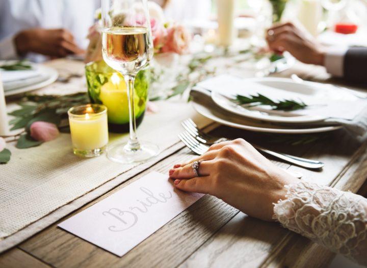 Ukryte koszty przyjęcia weselnego – ile tak naprawdę kosztuje wesele?