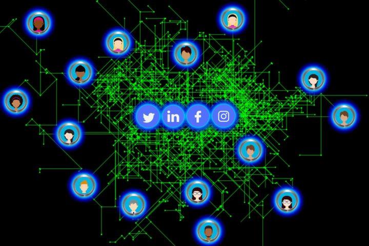 Kto powinien prowadzić naszą komunikację w social media?
