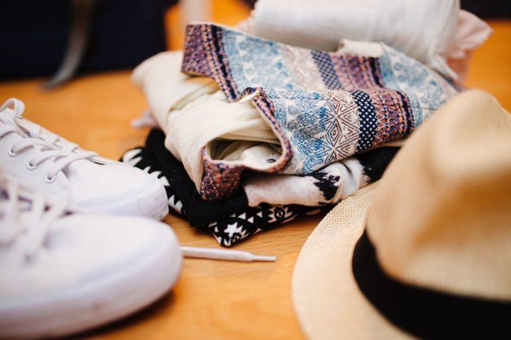 clothes-922988_1920