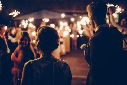 Jak podziękować gościom za przybycie na przyjęcie weselne?