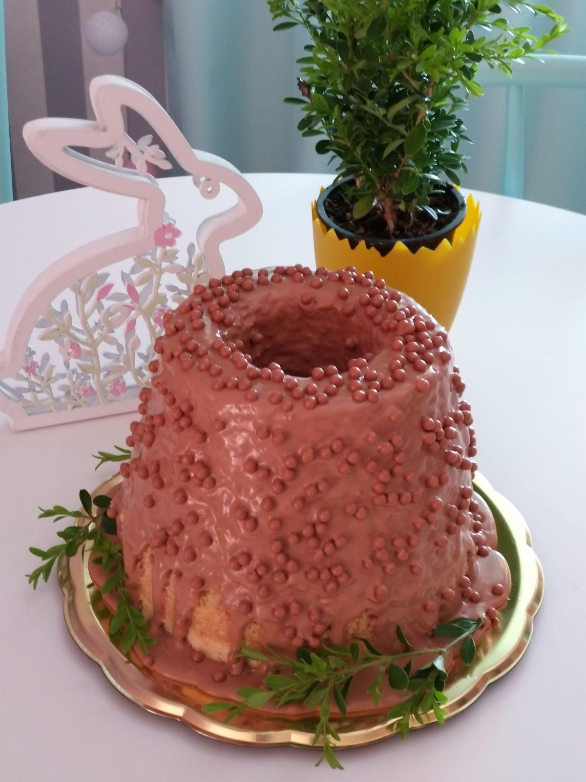 Z przepiśnika słodkiej pasji - Wielkanocna babka gotowana