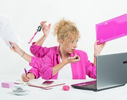 """Z poradnika """"raczkującej"""" bizneswoman - Siła kobiecej współpracy!"""