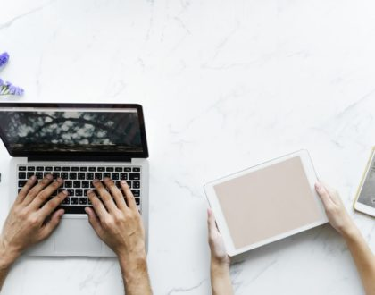 Ślubna strona internetowa - czym jest i czy warto ją założyć?