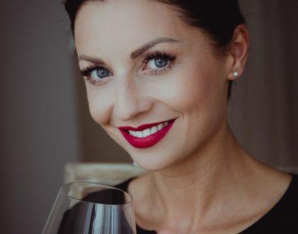 """""""Co jest piękne w winie? To historia ludzi, ich czas, wysiłek, które odzwierciedlone są w danym produkcie"""" - Lady Sommelier - Ewa Relidzyńska"""