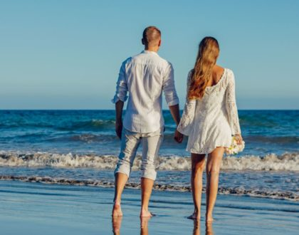 Słoneczny i niestandardowy ślub za granicą