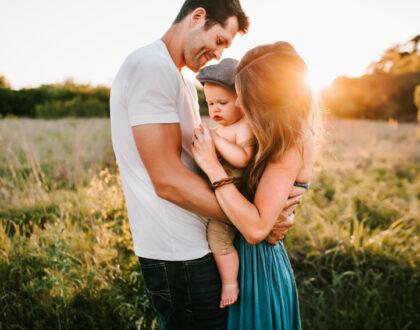 Jak wychowuje dziecko mama, a jak tata?