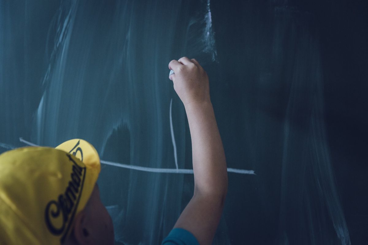 """""""Szkoła przez te trzy miesiące pandemii była smutna, pusta, wręcz przerażająca.  Nie ma szkoły bez dzieci!"""" - Edyta Haraburda"""